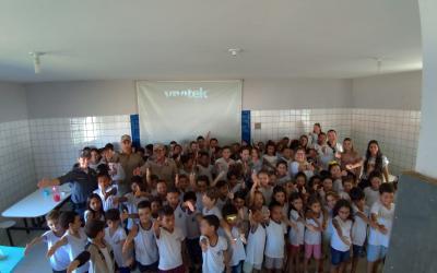 Crianças aprendem sobre trânsito em Barra do Garças se divertindo na campanha Sinal pela Vida