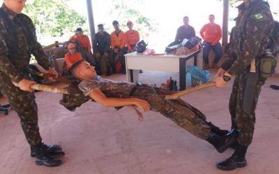 Militares participam de treinamento com a Brigada de Incêndios em Barra do Garças