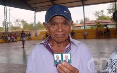 Homem de 66 anos conquista 1º documento no mutirão Araguaia Cidadão em Pontal do Araguaia