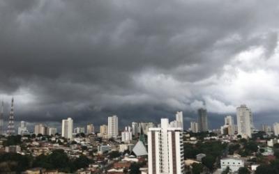 VEJA VÍDEO da chuva no final da tarde de quarta-feira em Cuiabá