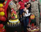 Garotinho de 5 anos que tem os bombeiros como super-heróis recebe festa surpresa em MT