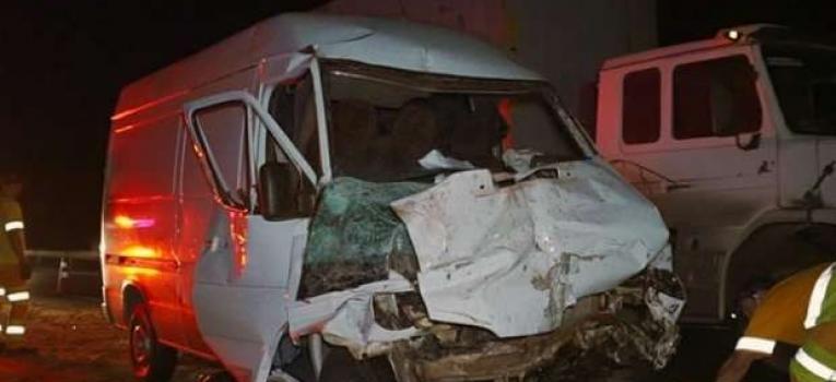 Acidente de trânsito na Br 158 envolvendo um caminhão e uma Van, deixou duas pessoas feridas nesta sexta-feira