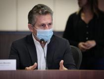 Mauro Mendes defende que vacinas compradas pelo Estado fiquem em Mato Grosso