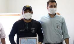 Produtores rurais homenageiam policiais civis por recuperação de gado em Barra do Garças VEJA VIDEO