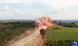 VEJA VÍDEO: Como foi a detonação da Serra Arnica na rodovia MT 100