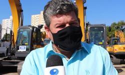 VEJA VÍDEO: Leonardo Farias destaca importância de máquinas novas na manutenção de estradas em Novo São Joaquim