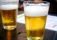 VEJA VÍDEO: Você sabia que 2 copos de cerveja podem matar uma família?