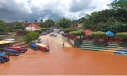 Rios Garças e Araguaia pegam mais água e atraem turistas ao Porto do Baé em Barra do Garças VEJA VÍDEO