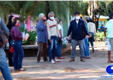 VEJA VÍDEO: Moradores de rua recebem cobertores e passam por monitoramento da prefeitura de Barra do Garças