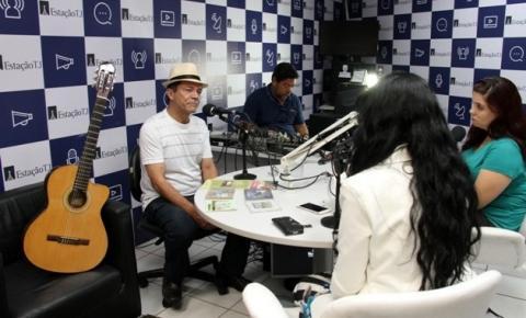 Divino Arbués canta e fala sobre as belezas do rio Araguaia na rádio do TJMT