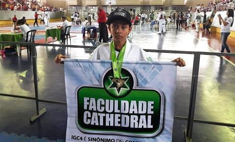 Atleta de Barra do Garças, apoiado pela Faculdade Cathedral, participará de torneio nacional de Taekwondo