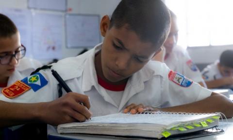 Estudante diz que Escola Militar Tiradentes mudou sua perspectiva de futuro