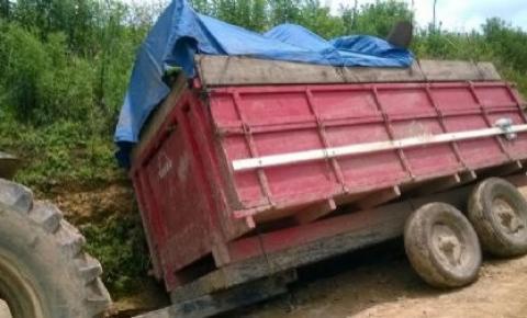 Homem de 63 anos morre após cair de carreta de trator em zona rural