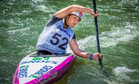 Mato-grossense é campeã mundial de canoagem slalom