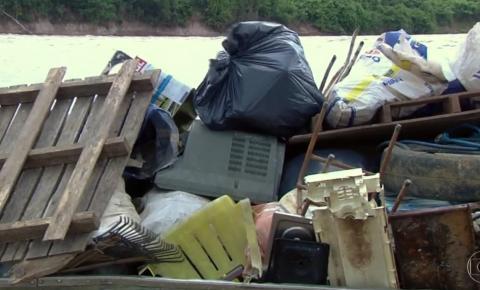 Em um fim de semana, voluntários recolhem 20 toneladas de lixo do Rio Araguaia