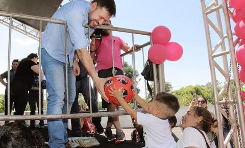 Mais de 10 mil brinquedos são distribuidos por Roberto Farias no Natal das crianças em Barra do Garças