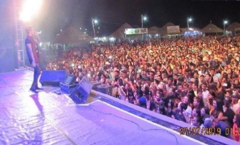 Temporada de Praia chega ao final em São Felix do Araguaia com show nacional recebendo mais de 20 mil pessoas