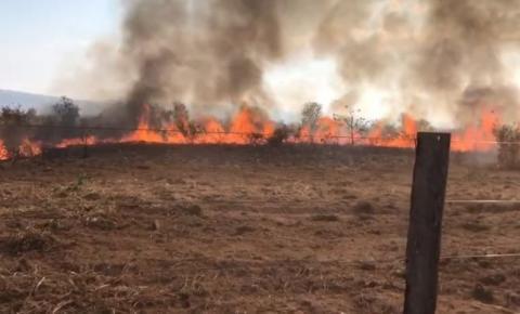 Fazenda famosa acumula prejuízo de 1 milhão de reais com incêndio que começou em terra indígena