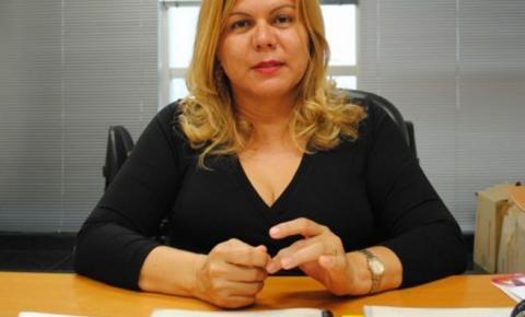 Promotora que atuou no Araguaia assume cadeira na Academia de Letras de MT