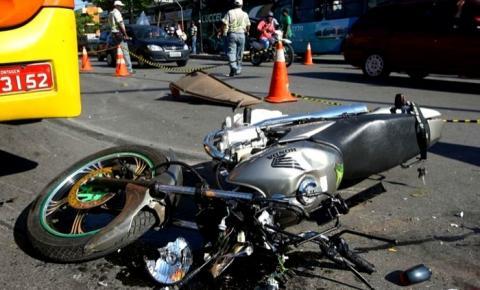 Bolsonaro extingue o seguro obrigatório de veículos, o DPVAT