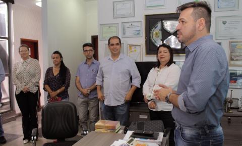 Prefeitura assina convênio com faculdade para cessão de médicos a unidades de saúde de Barra do Garças