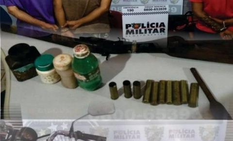 PM prende três suspeitos de furtos, com arma e recupera objetos e moto furtada em Goiás