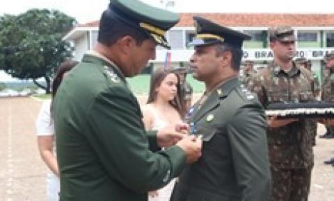 Dia da Bandeira é comemorado pelo Exército em Aragarças com a participação de escolas