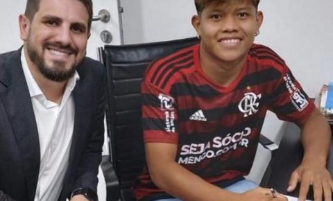 Indígena de 17 anos, do Araguaia, assina com o Flamengo