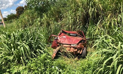 Três suspeitos de roubar fazenda se acidentam na fuga e um deles é baleado em confronto com a PM em MT