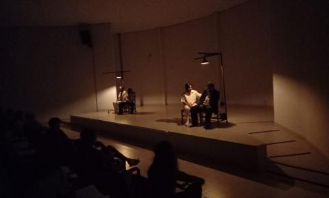 Teatro de Faces encanta espectadores em Barra do Garças VEJA VÍDEO