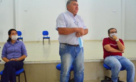 Prefeito Adilson Gonçalves reforça apoio a Cultura em visita ao Centro Cultural Valdon Varjão