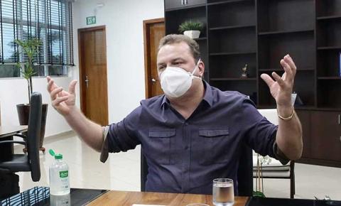 AL compra 200 cilindros de oxigênio para doação a municípios, anuncia presidente Max Russi