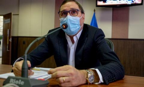 Secretário lamenta a falta experiência, conhecimento de Emanuelzinho e critica prefeitura VEJA VÍDEO