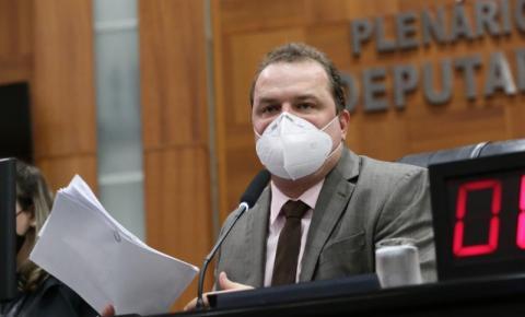 Max Russi aprova lei que garante punição financeira a agressores de mulheres  em MT