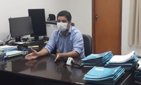 Promotor nega que seja 'comunista' e diz que outdoor de Bolsonaro está em desconformidade com a lei OUÇA ÁUDIO