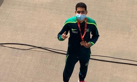 Jânio Varjão, atleta de Barra do Garças, conquista a 1ª medalha do Brasil na prova dos 1500 mt