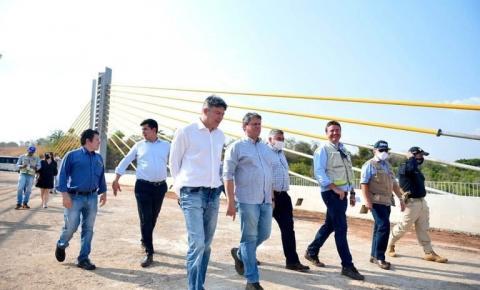 Em Barra do Garças, Tarcísio explica que sua candidatura ao Senado está nas mãos de Bolsonaro