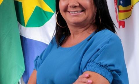 Vereadora consegue R$ 200 mil para castramóvel em Canarana