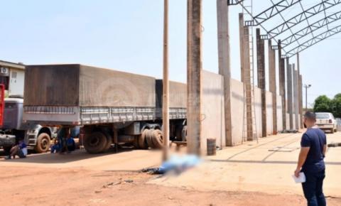 Trabalhador morre eletrocutado durante instalação de calha em barracão