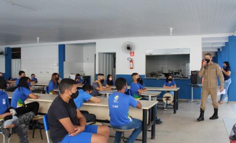 Alunos da Escola Jardim Araguaia recebem palestra sobre trânsito em Barra do Garças