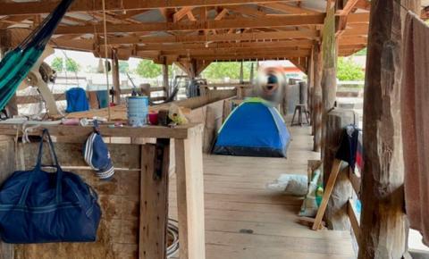 Trabalhadores são resgatados de fazenda onde viviam em curral em meio a fezes, morcegos e pulgas em MT