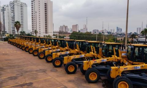 Governo transfere para outubro entrega de máquinas e equipamentos